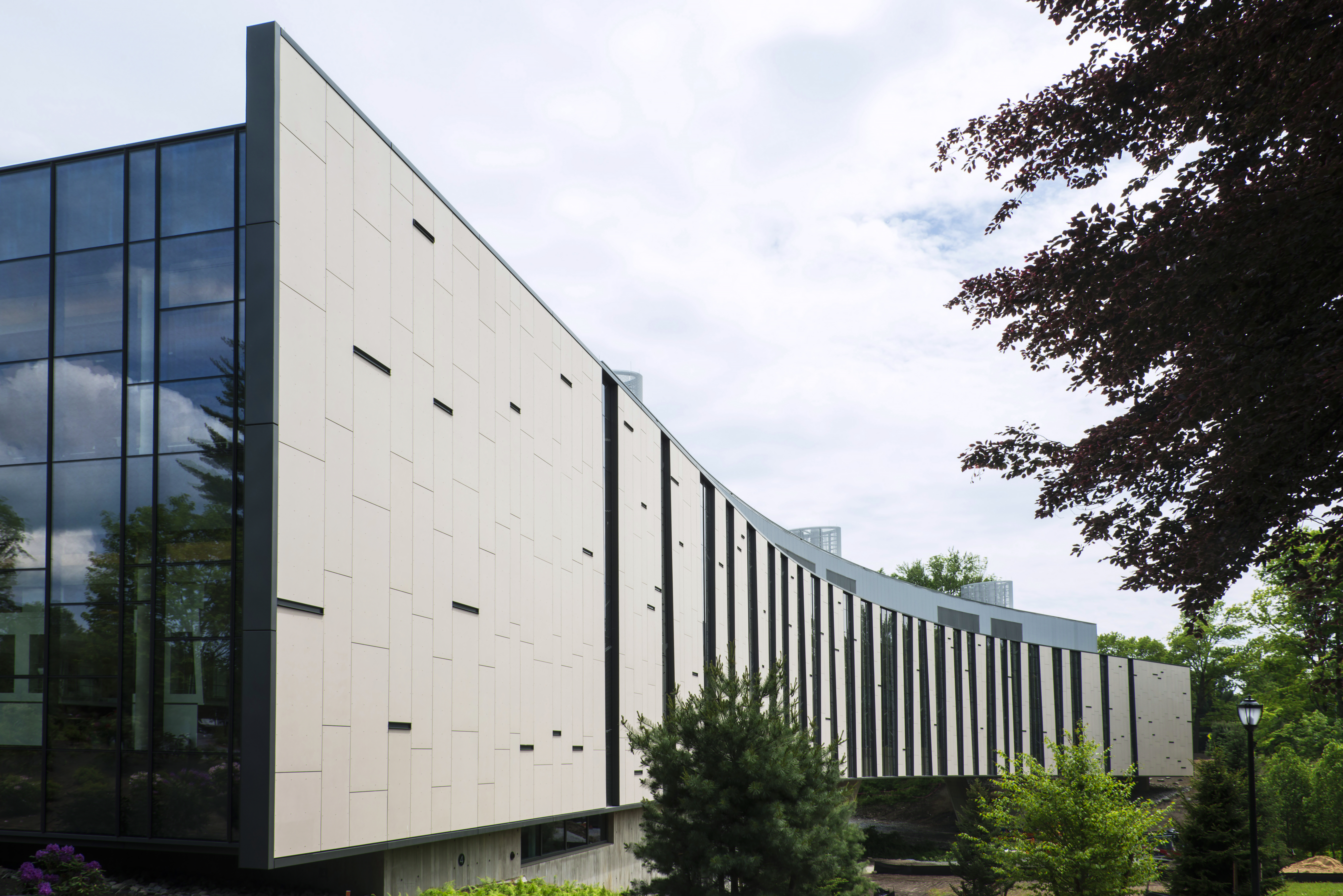 Cladding Corp Vassar's Integrated Science - Poughkeepsie, NY Swisspearl