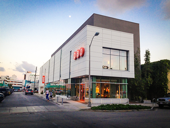 CB2 – Miami Beach, FL using Swisspearl® fiber cement panels