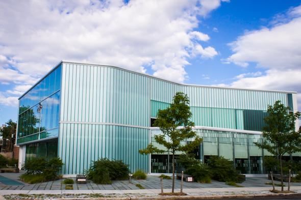 Queens Glen Oaks Library – Glen Oaks, NY