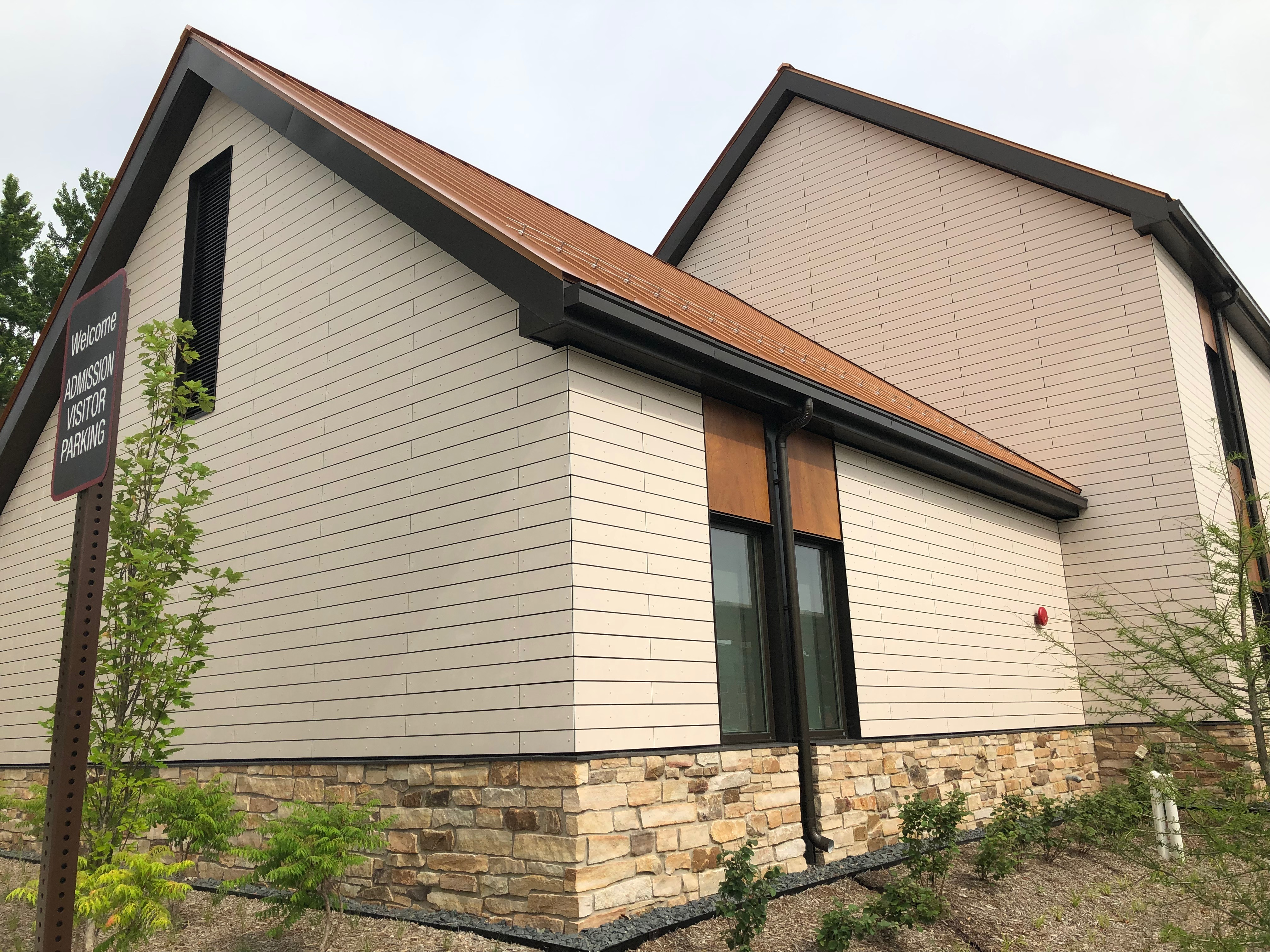 Cladding Corp - Grinnell College - Swisspearl