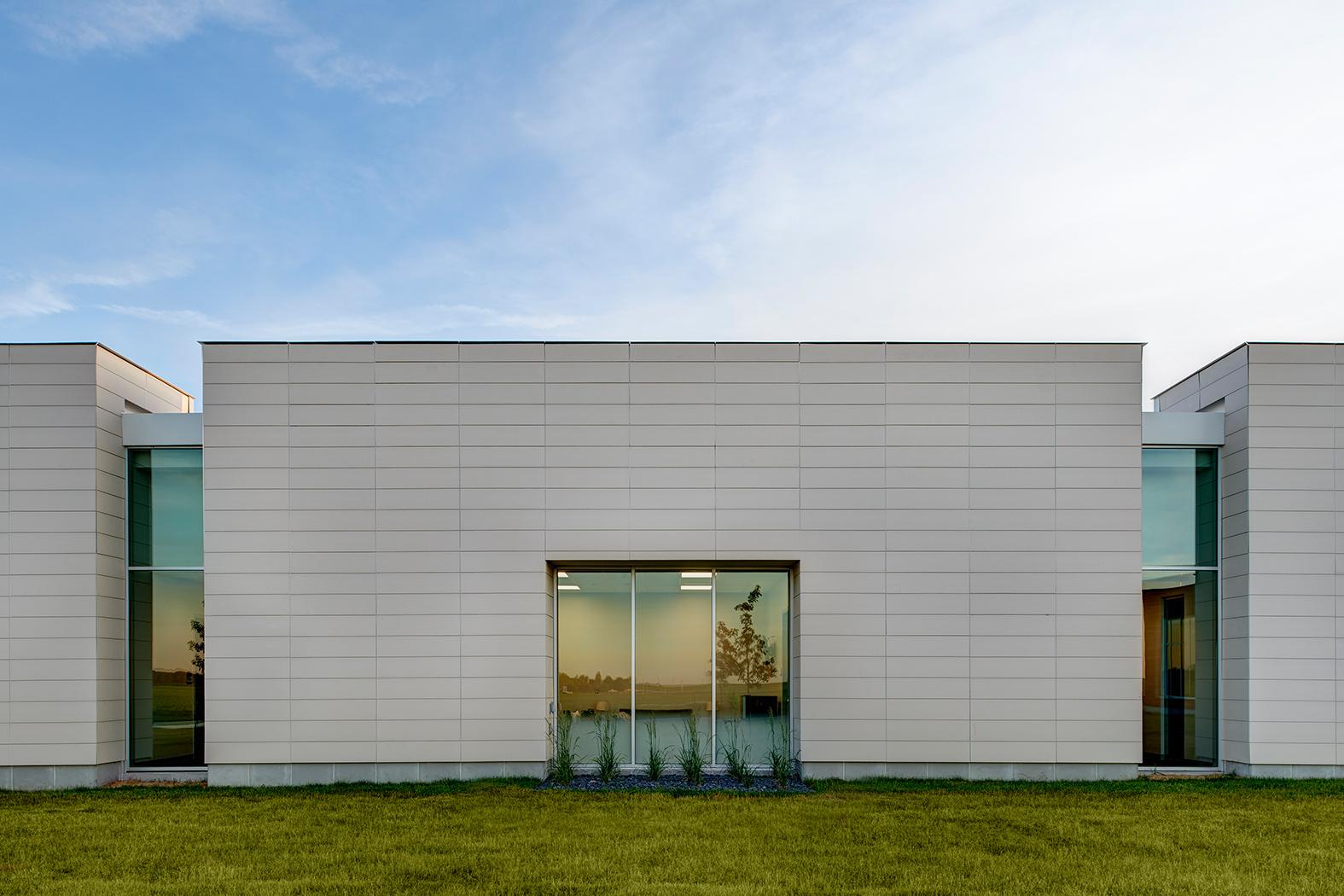Cladding Corp - Story County Medical Center - Terra5 Terracotta Rainscreen Cladding